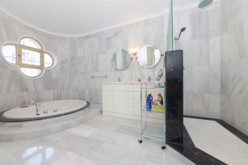 New-Golden-Mile-Luxury-Villa-Marbella-11