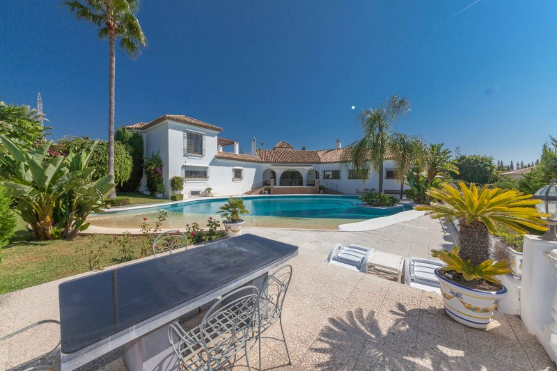 New-Golden-Mile-Luxury-Villa-Marbella-25