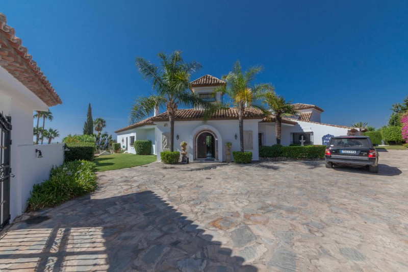 New-Golden-Mile-Luxury-Villa-Marbella-29