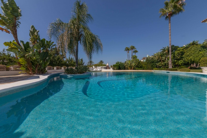 New-Golden-Mile-Luxury-Villa-Marbella-28