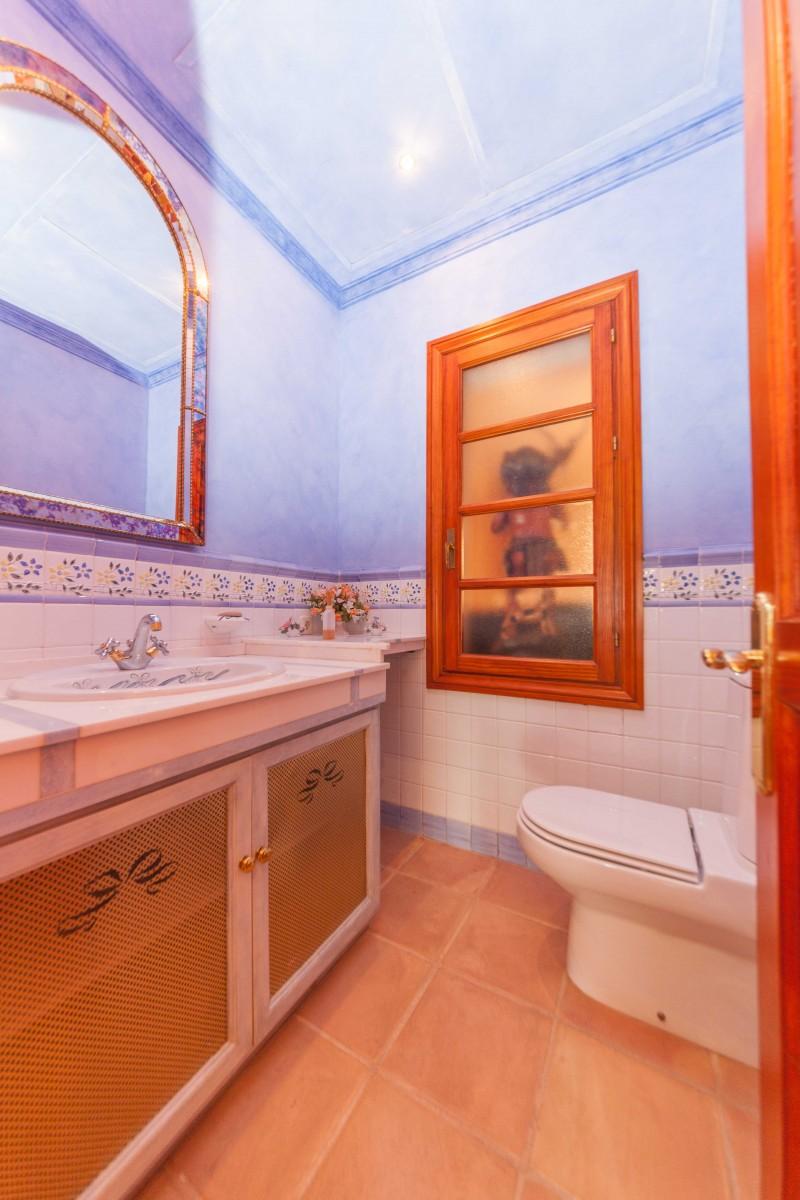 Guest toilet La Quinta (8 of 14)