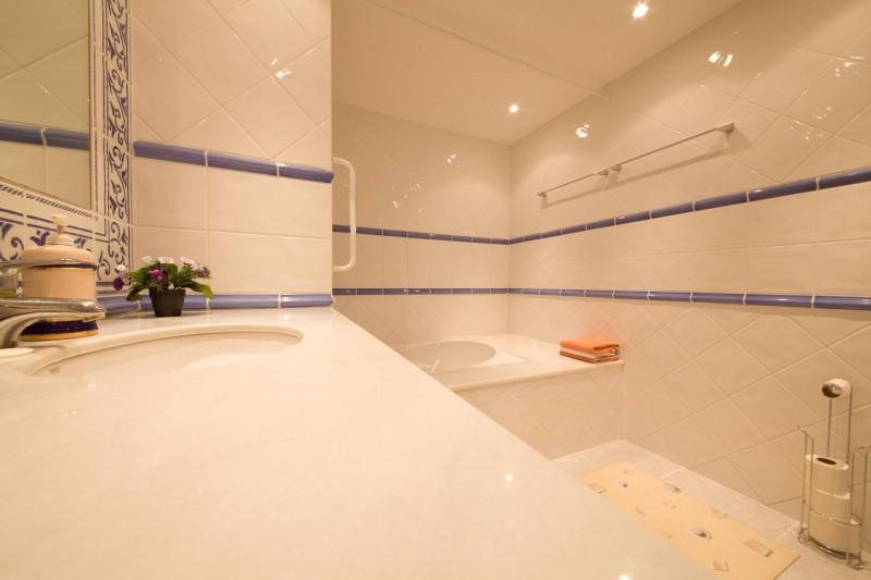 Apt bathroom Villa Hacienda Las Chapas Marbella Costa del Sol