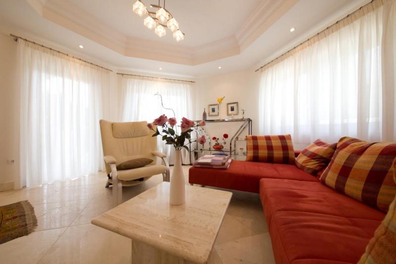 Winter Lounge Villa Hacienda Las Chapas Marbella Costa del Sol