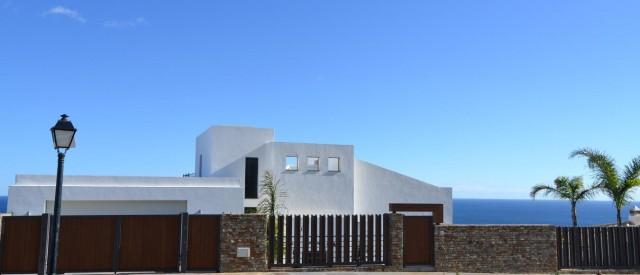 Facade Luxury Villa Punta Paloma