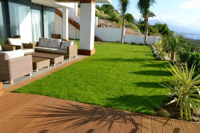 Garden  Luxury Villa Punta Paloma