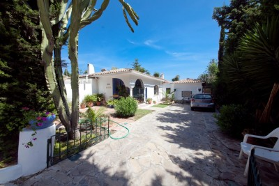 Villa for sale in El Paraiso Baronal, New Golden Mile, Estepona, Malaga, Spain