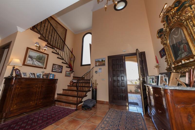 Entrance Hallway Villa La Quinta-1