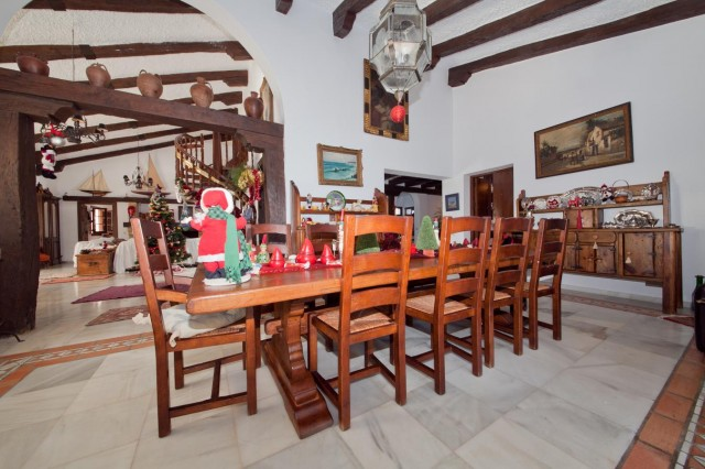 Dining Mansion Close to the sea Finca Style with exstensive grounds and stables Costa del Sol