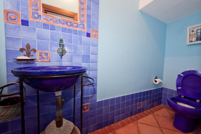 Guest toilet Mansion Close to the sea Finca Style with exstensive grounds and stables Costa del Sol