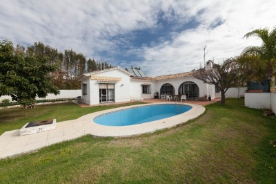 3 bedroom, 2 bathroom villa for sale in La Reserva de Marbella, Marbella