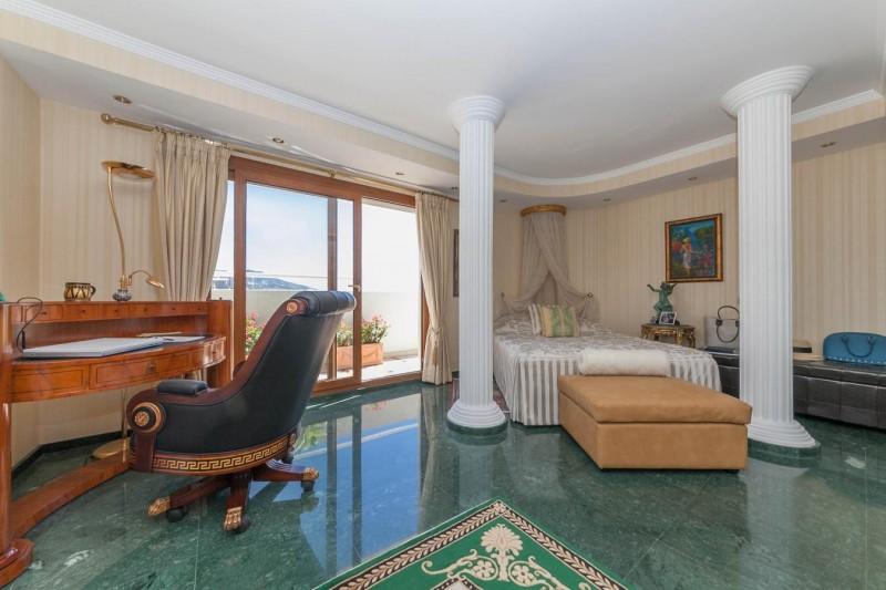 Master bedroom Paseo Maritimo Fuengirola Penthouse_-10