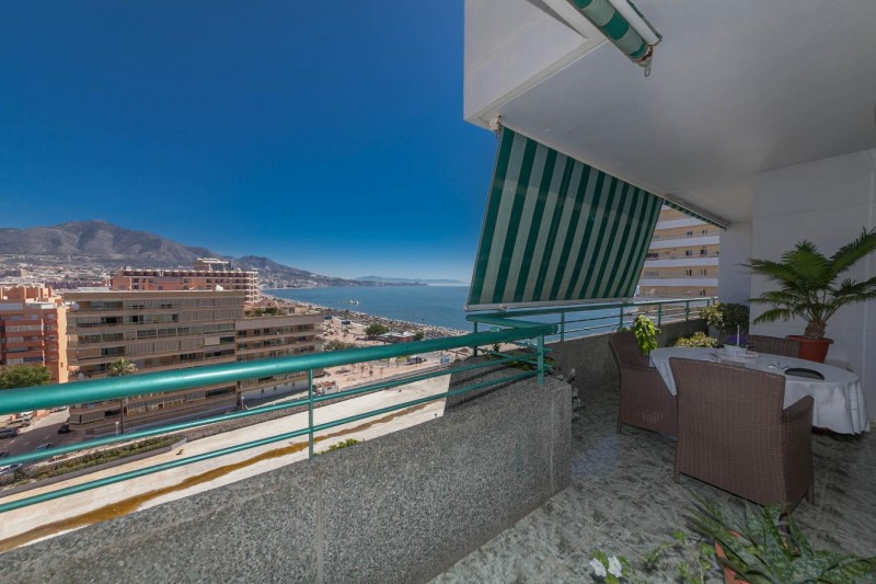 Lower terrace detail Paseo Maritimo Fuengirola Penthouse_-8