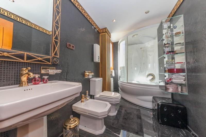 Master bathroom Paseo Maritimo Fuengirola Penthouse_-12