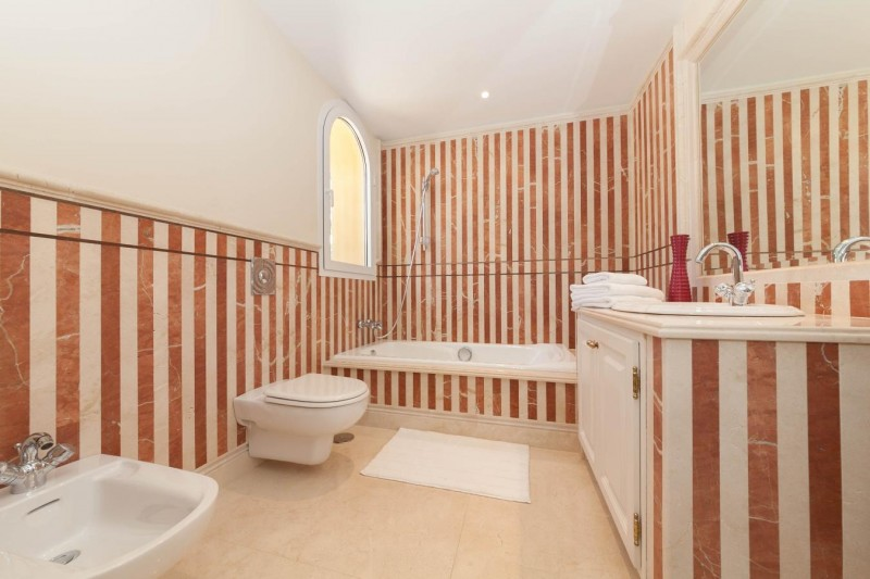 Bathroom 4 Luxury villa Guadalmina Baja within meters from the sea-20