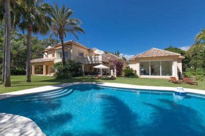 Luxury villa situated close to the beach at Guadalmnina Baja in Marbella