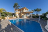 695351 - Villa for sale in El Pilar, Estepona, Málaga, Spain
