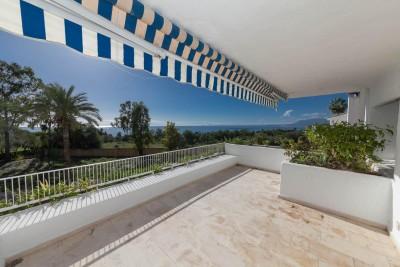 3 bedroom 2 bathroom apartment for sale in Birdie Club, Golf Rio Real, Marbella.