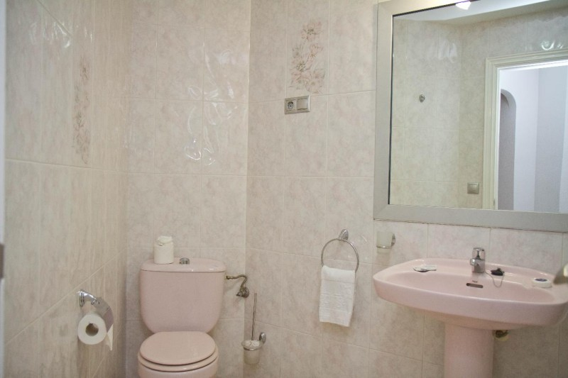 1 bedroom bathroom - Matchroom