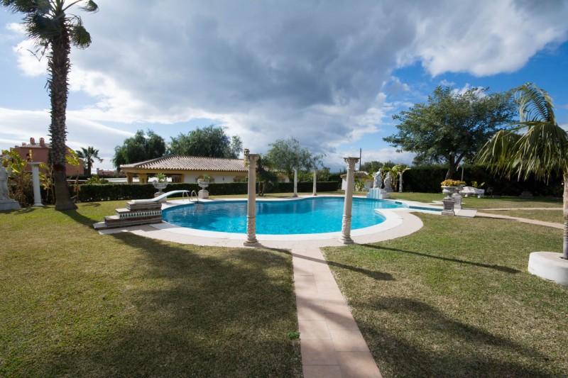 MMM4872M Swimming pool