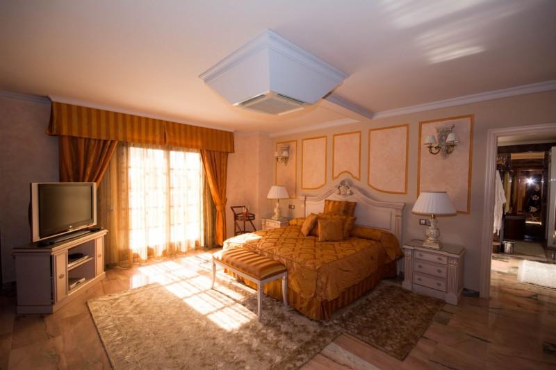 MMM4872M Master bedroom