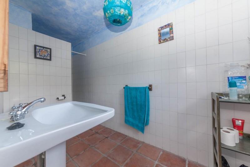 En suite lower bedroom Finca Casares-15