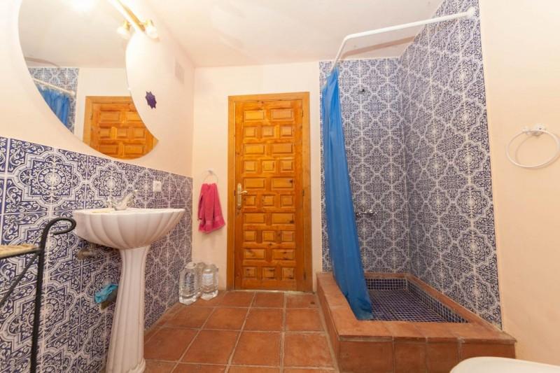 En suite upper bedroom Finca Casares-14