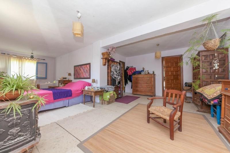 Master bedroom Finca Casares-18