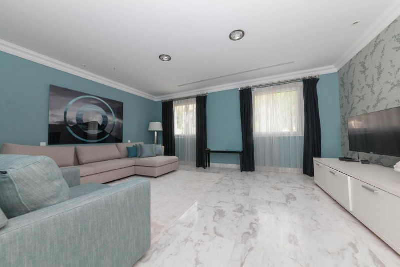 Sitting area bedroom 4 Luxury Villa Sierra Blanca Marbella-13