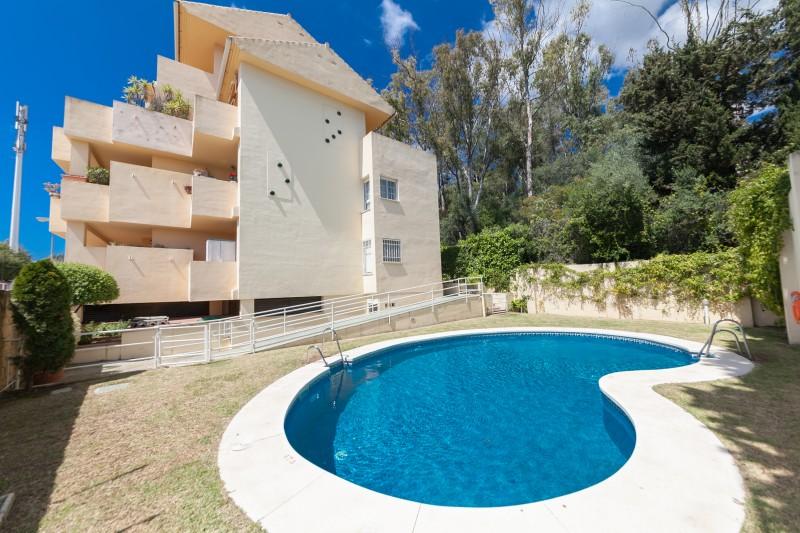 Pool Golden Mile Apartment-12