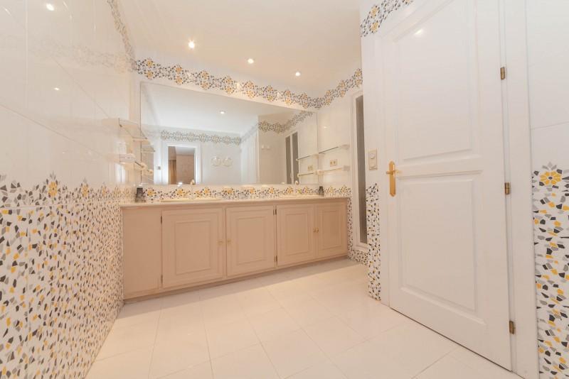 Bathroom 2 Marbella Luxury Area Townhouse-8