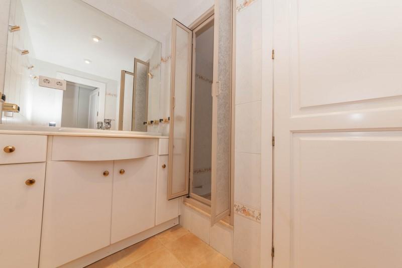 Bathroom 4 Marbella Luxury Area Townhouse-15