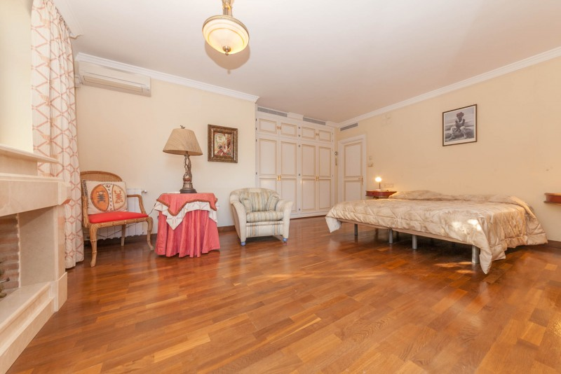 Master bedroom Marbella Luxury Area Townhouse-6