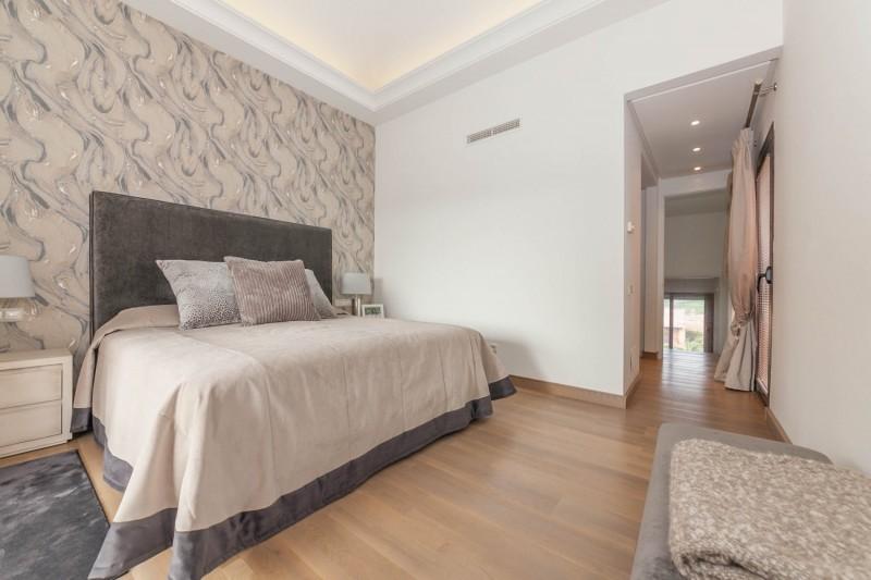 Master bedroom Puerto Banus Alzambra Hill Club Penthouse-10