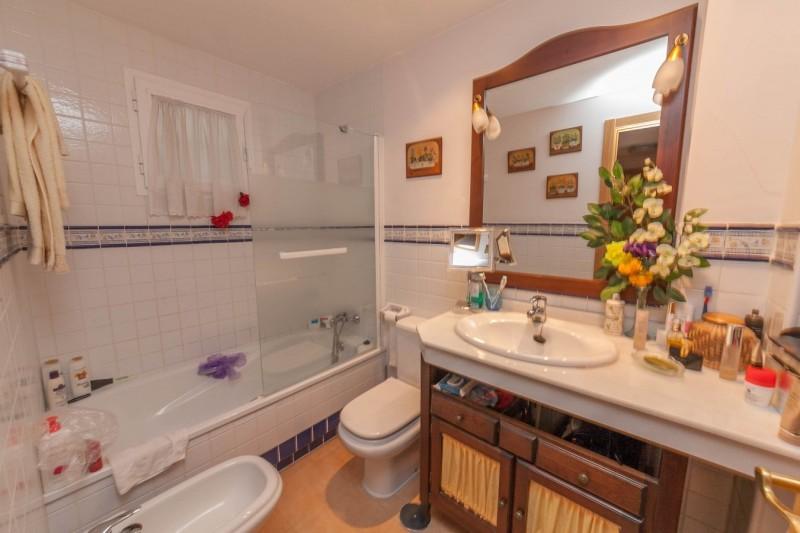 Bathroom Apartment Ojen-6