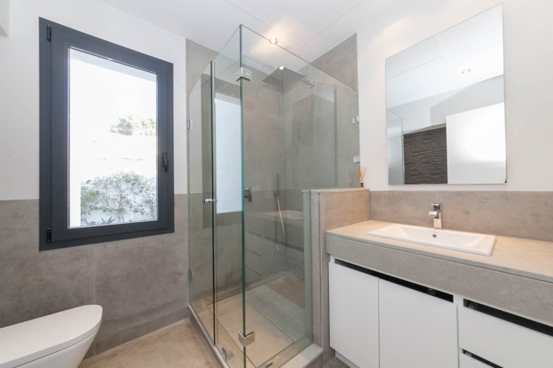 En suite bathroom Luxury Modern Vila WEl Paraiso beach side-10