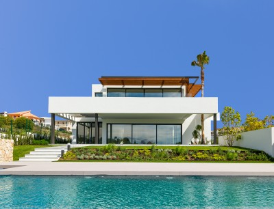 Luxury contemporary villa in Los Flamingos adjacent Villa Padierna on the New Golden Mile, Estepona / Marbella