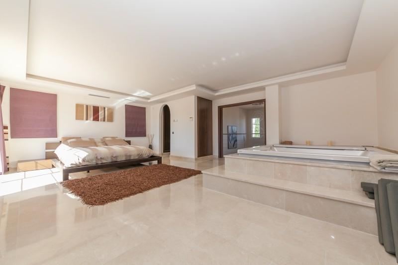 Master bedroom Villa Mijas Golf-10