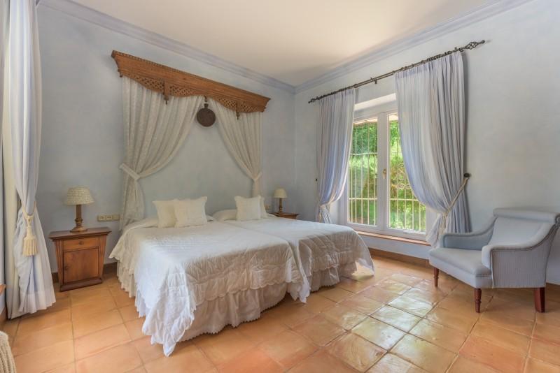 Perfect Villa Paraiso-7