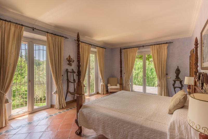 Perfect Villa Paraiso-3