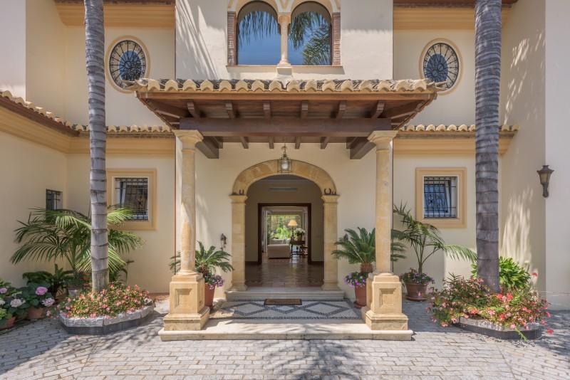 Perfect Villa Paraiso-1