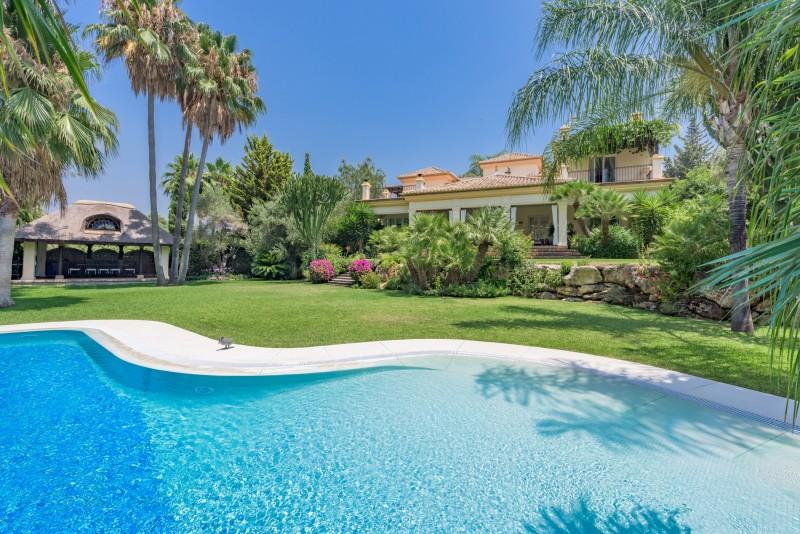 Perfect Villa Paraiso-15 (Custom)