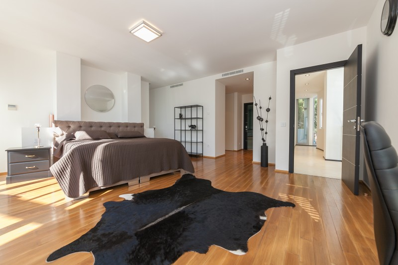 Master bedroom Meisho Hills-29