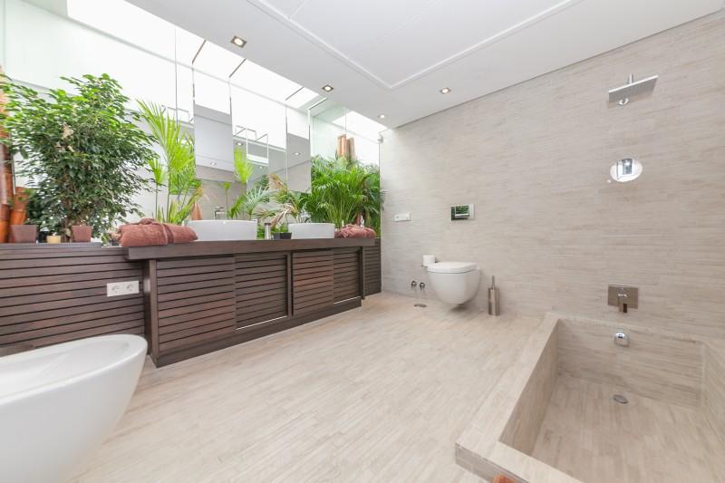 bathroom 5 Casasola Villa-1