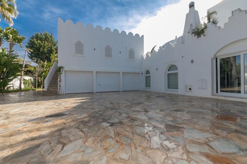 Garage Casasola Villa-24