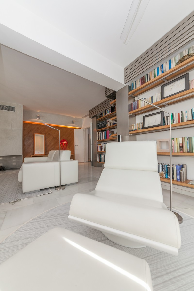 Library detail 2 Casasola Villa-9