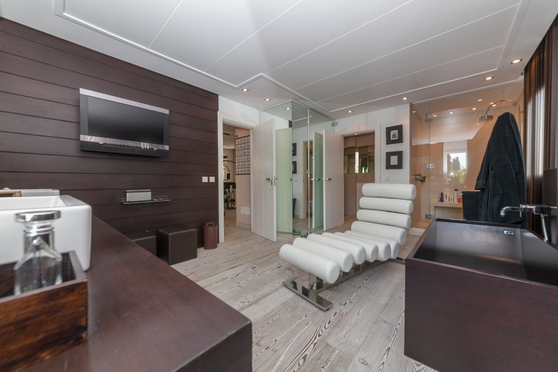 Master bathroom Casasola Villa-19