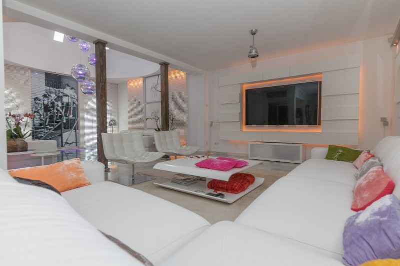 Lounge detail 2 Casasola Villa-12