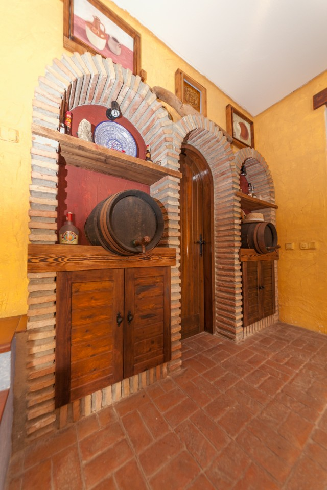 Bodega detail Luxury Villa Torremolinos Montemar Carihuela-17