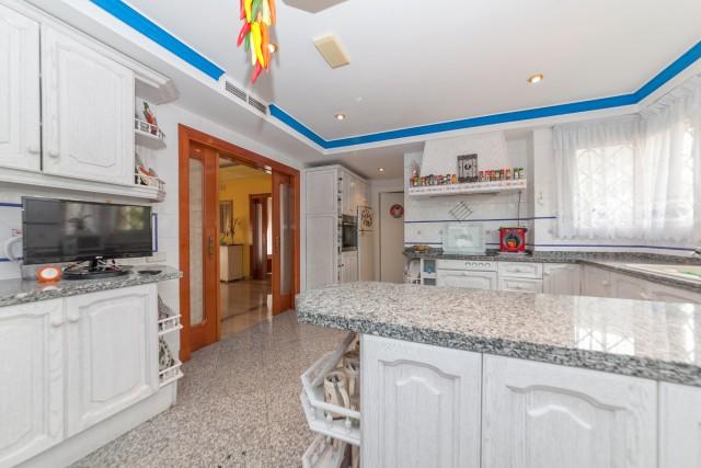 kitchen detail Luxury Villa Torremolinos Montemar Carihuela-2