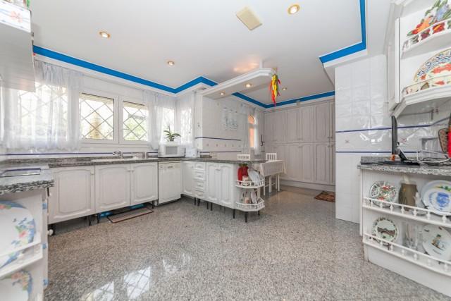 Kitchen Luxury Villa Torremolinos Montemar Carihuela-1